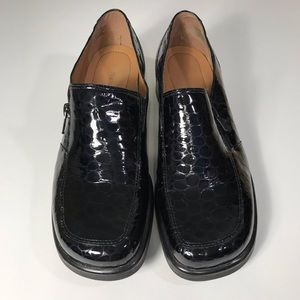 Naturalizer black patent leather loafers, size 8M